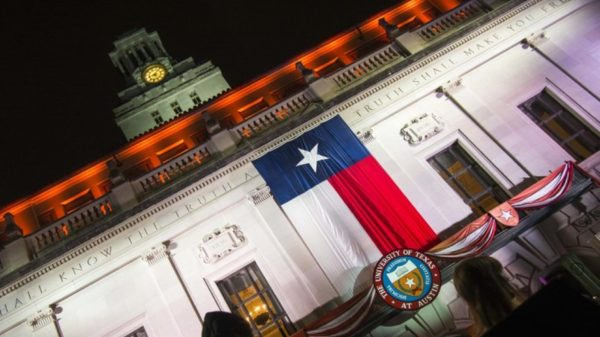 commencement_texas_flag
