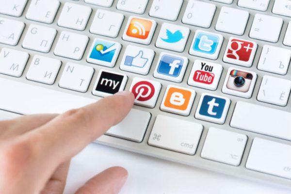 social_media_830_0