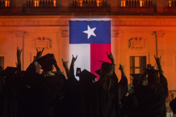commencement-2016-hook-em-texas-flag