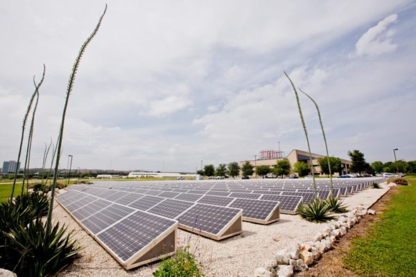 ut_solar_farm_at_pickle_research_campus