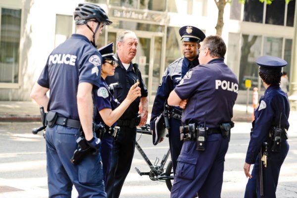 cops-talking