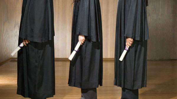 school_graduation_