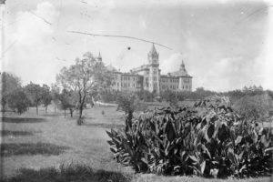 The Old Main Building around the time of the pandemic