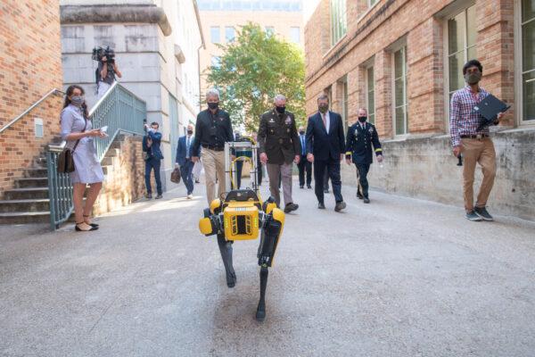 Anna Hiss Robotics Lab Tour